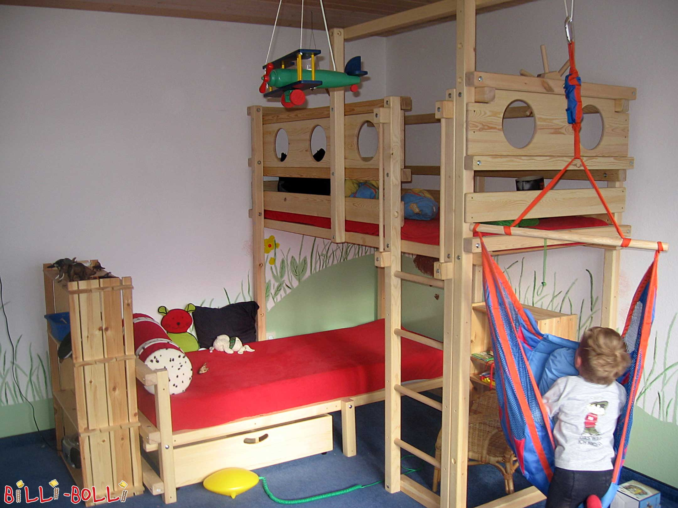Etagenbett Um Die Ecke : Etagenbett über eck billi bolli kindermöbel