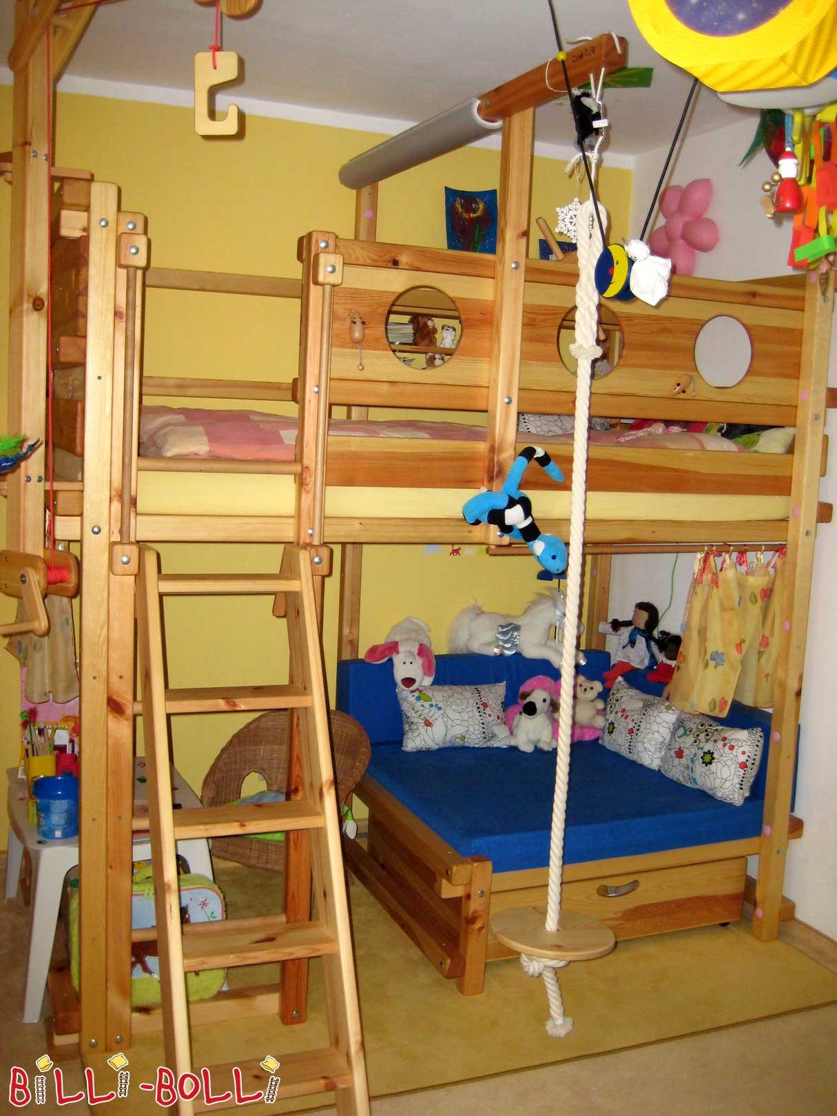 kuscheleckenbett das hochbett mit gem tlicher leseecke. Black Bedroom Furniture Sets. Home Design Ideas